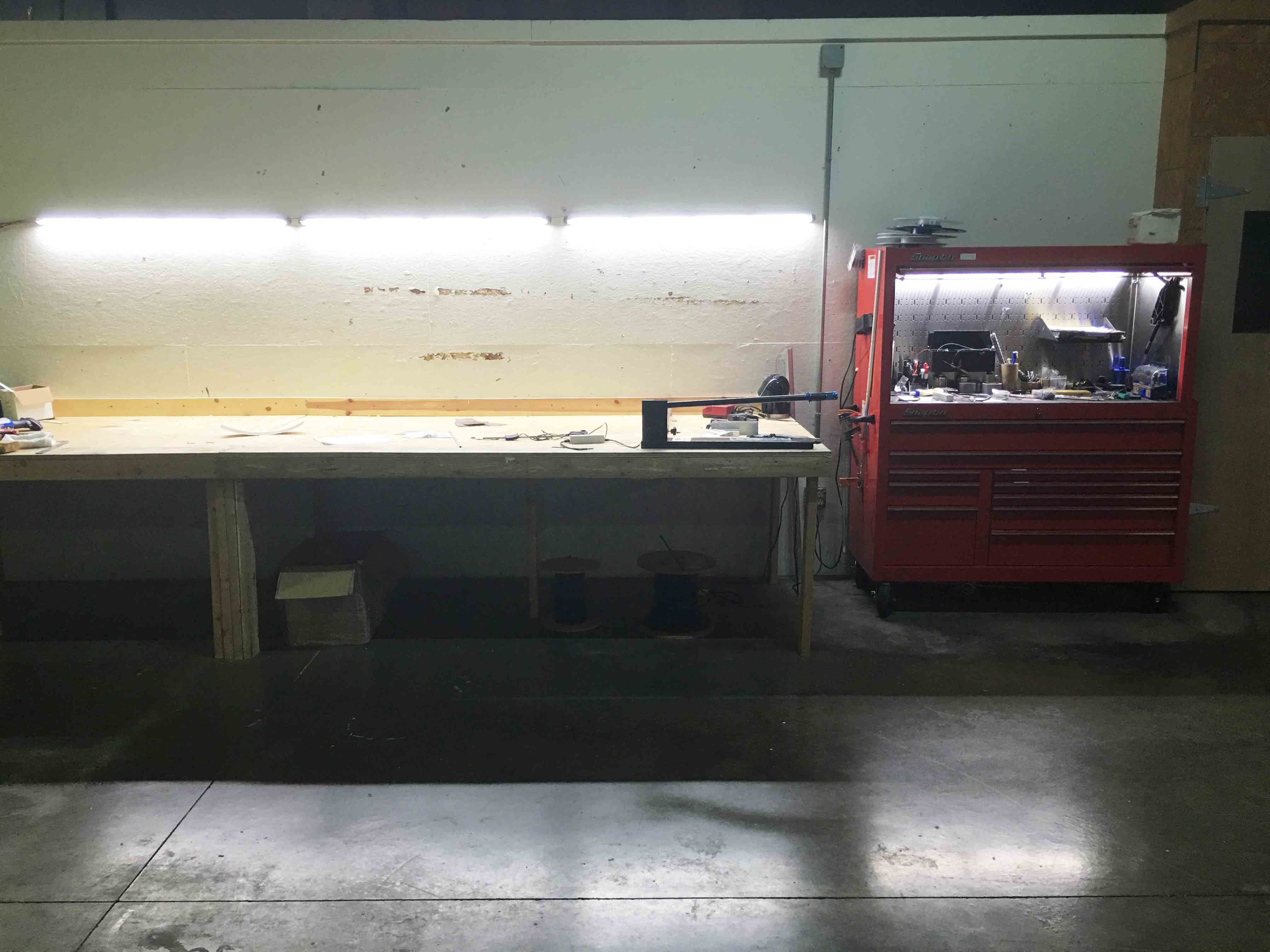 workstation ST30 with tool storage